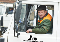 Lkw Fahrer Kraftfahrer bei der Arbeit